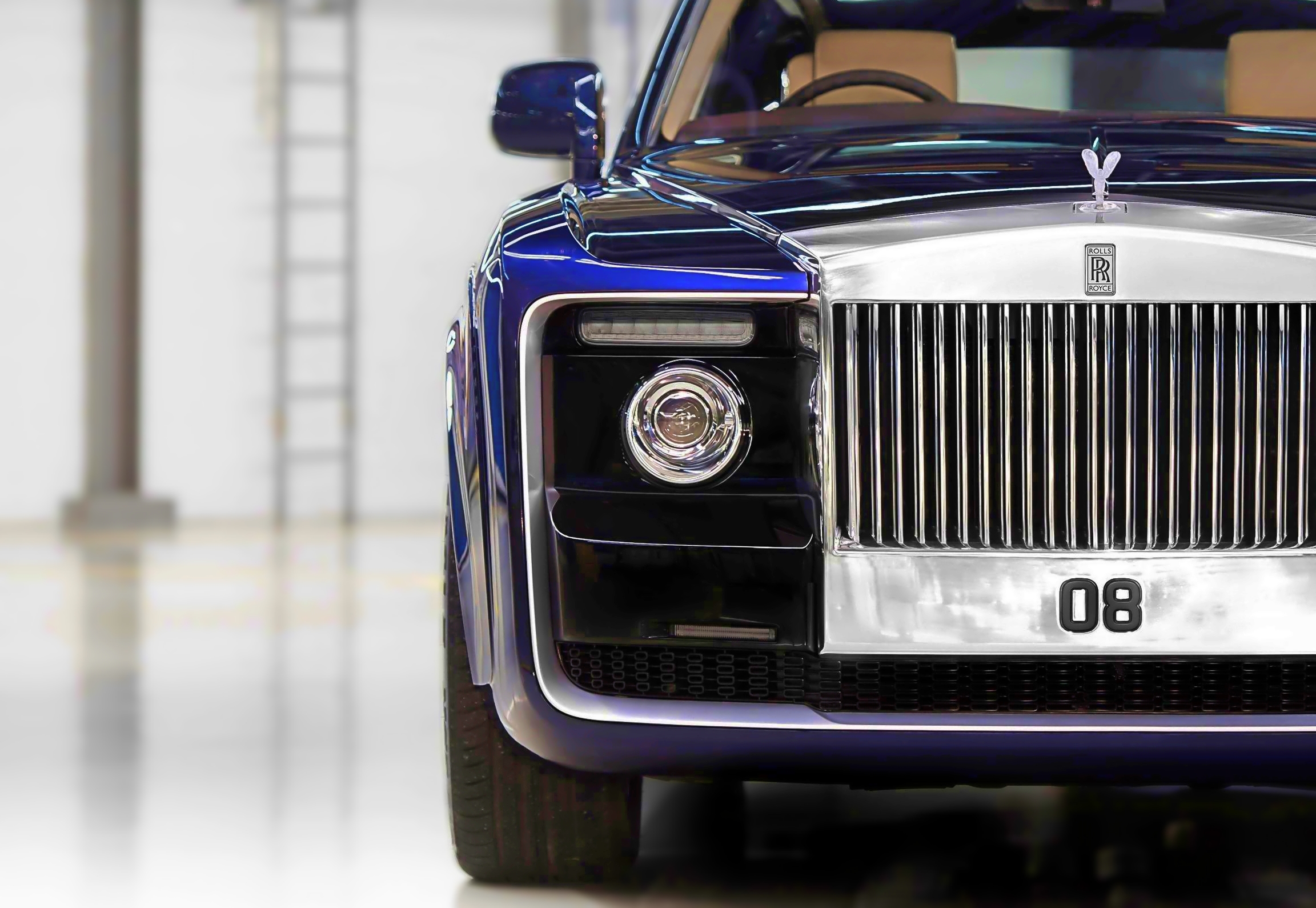 The Rolls Royce Sweptail is one of the most expensive cars in the world. Which was at number one in the world's most expensive cars of 2014. But in 2019, this car came at number three. Rolls Royce Motors Cars Limited has been and is building a large luxury car. The Rolls Royce Swaptel is the third most expensive car in the world.